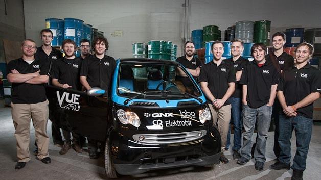 Elektrobit (EB) unterstützt die Universität von Sherbrooke in Quebec bei der Entwicklung eines neuen Elektrofahrzeugs, das Technologien für autonomes Fahrens einsetzt.