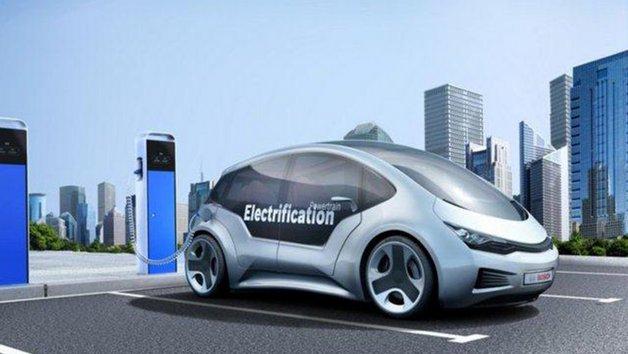 Durch eine leistungsfähigere Batterie profitieren Elektroautos von einer höheren Reichweite.