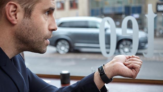 Fahrer-Auto-Kommunikation made in Sweden: Ab 2016 können Volvo-Fahrer über das Microsoft Band 2 mit ihrem Auto sprechen.
