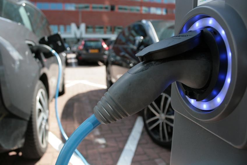 Welches Elektroauto wurde 2015 am häufigsten zugelassen?