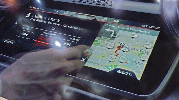 Ferrari GTC4Lusso mit intuitivem Infotainment-System aus dem Hause Delphi