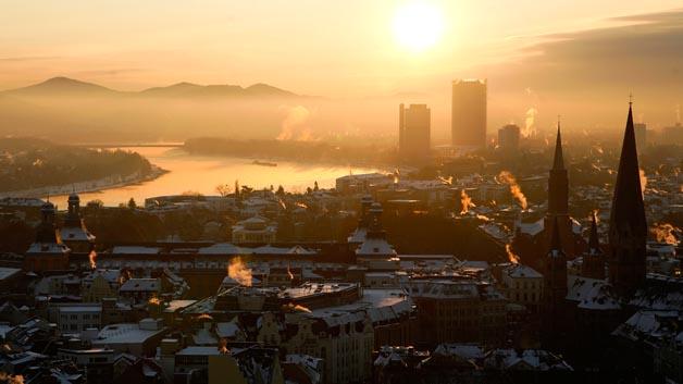 Bonn rangiert auf Platz 8 mit durchschnittlich 38 Staustunden.
