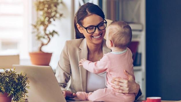 Arbeiten trotz Kleinkind? Um das möglich zu machen, entstehen ganz neue Geschäftsmodelle.