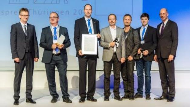 Die Preisträger des diesjährigen Innovationspreis Thüringen – v.l.: Dr. Ralf Pieterwas, Nils Blondin, Feinmess Suhl, Detlef Rode, Feinmess Suhl, Hans-Jürgen Berg, Feinmess Suhl, Stefan Büttner (Formenwerk Suhl), Fred Ziegner, Feinmess Suhl und Minister Tiefensee.