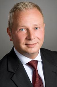 Thomas Hefner, Avast